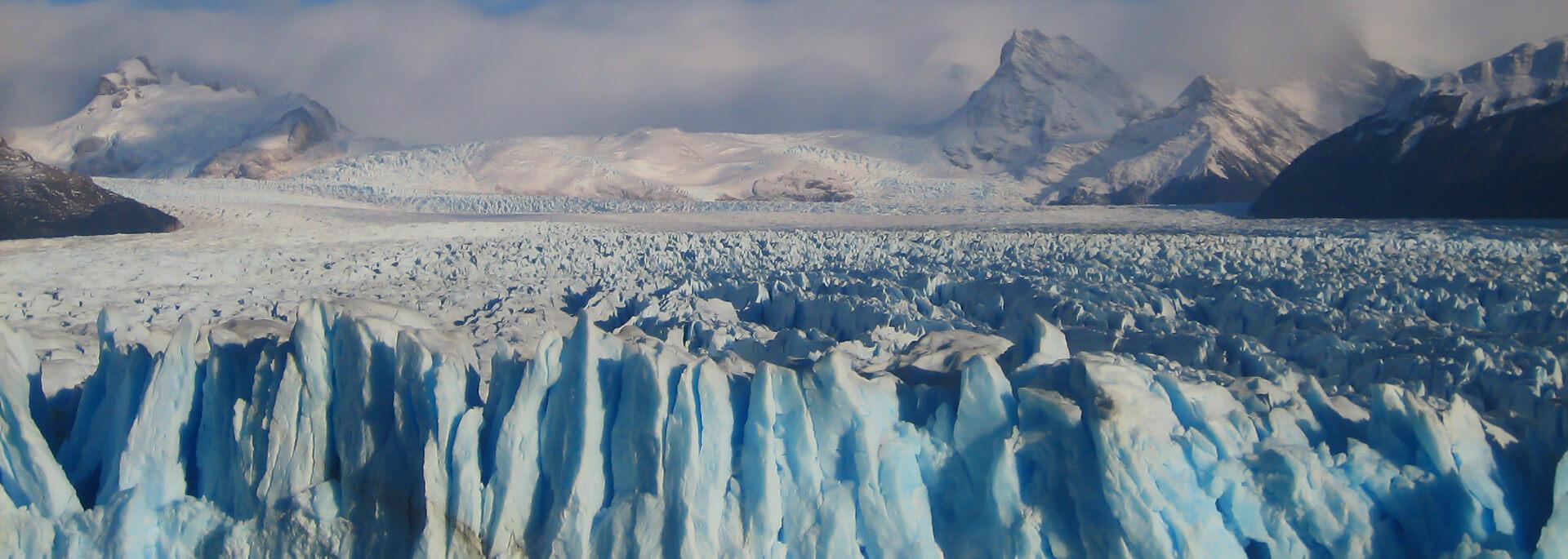 Wie ich in Patagonien dem Knacken des Perito Moreno Gletschers lauschte