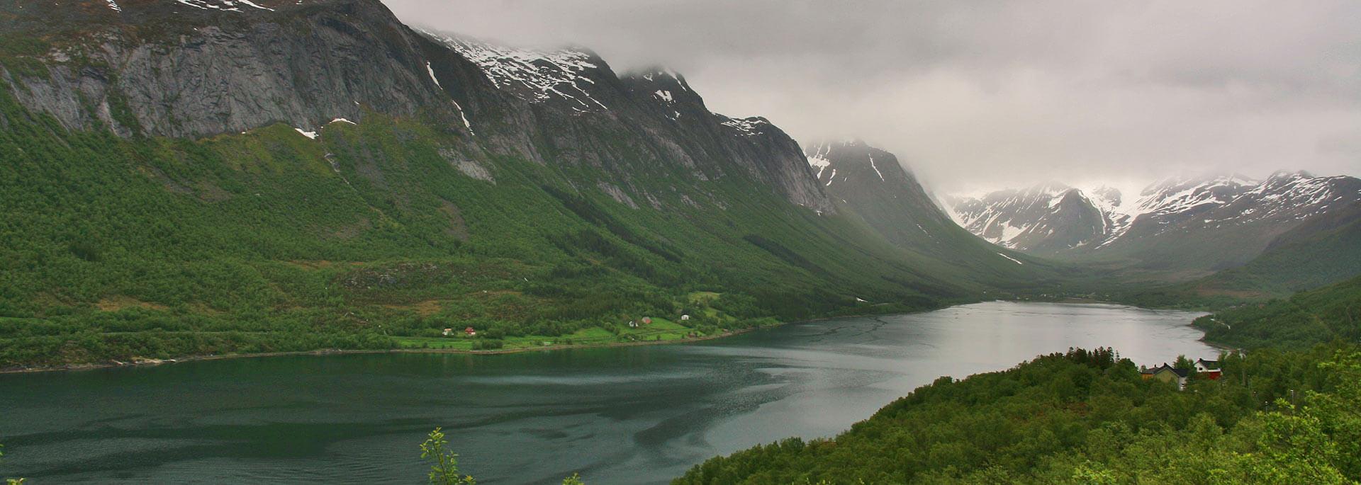 Wie ich auf einem Fjord  in Norwegen den Polarkreis überfuhr