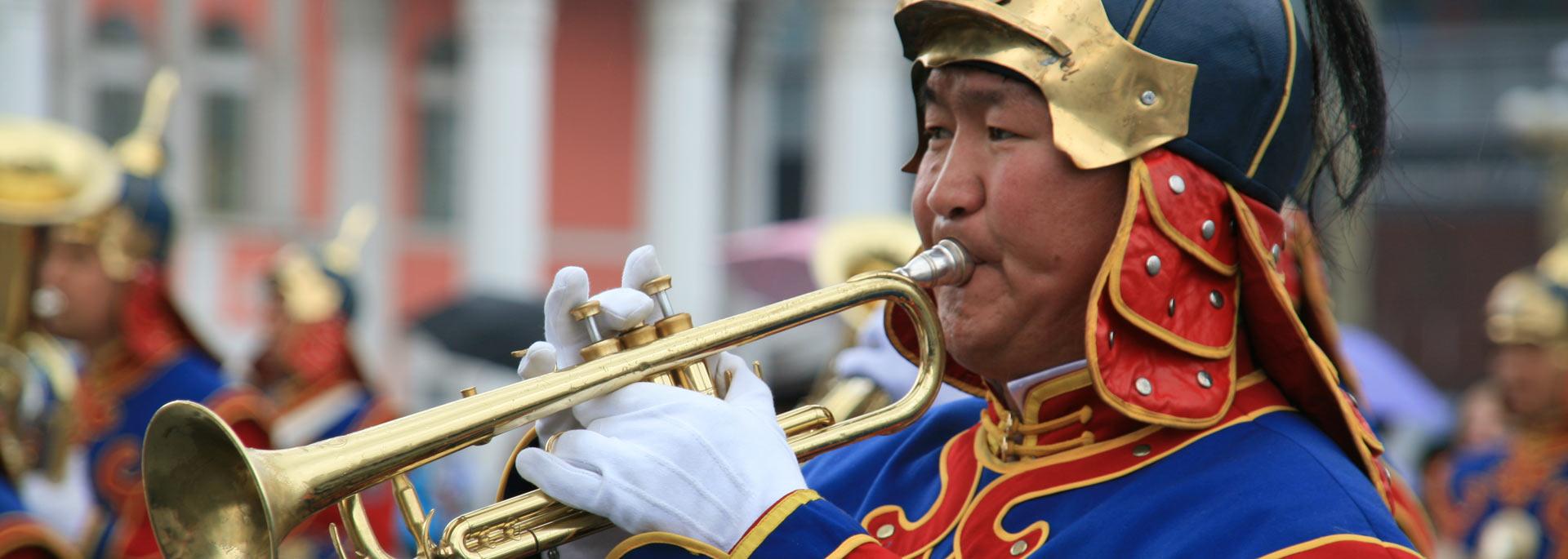 Wie mich die Parade der Mongolen am Nationalfeiertag berührte