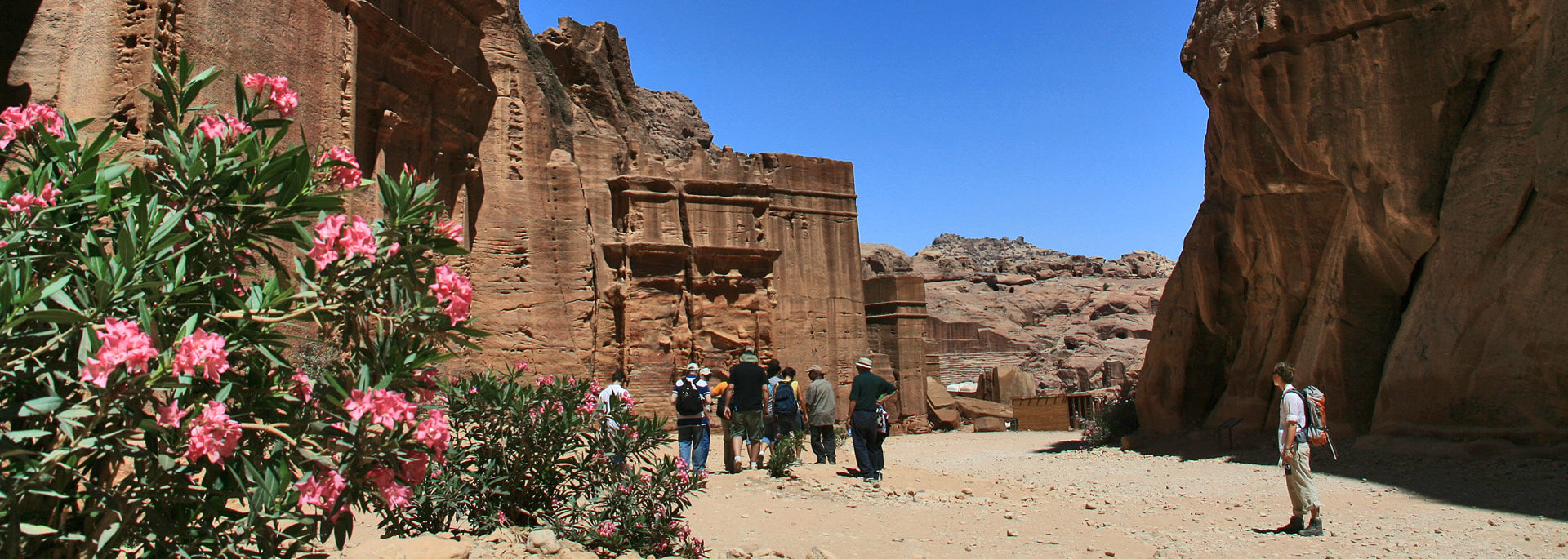 Fotos: Jordaniens Felsenstadt Petra bei Tag & Nacht